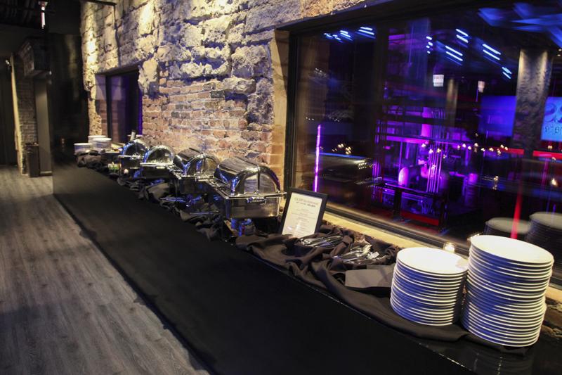 UG-Mars-Seated-Dinner-14-of-34-buffet-ledge